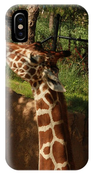 Giraff Phone Case by Tinjoe Mbugus