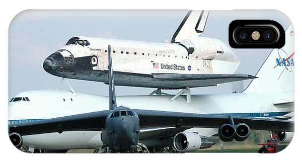 747 Transporting Discovery Space Shuttle IPhone Case