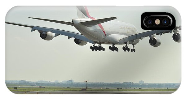 A 3800 Landing Emirates IPhone Case