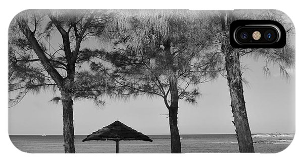 A Bahamas Scene In Black And White IPhone Case