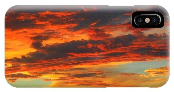 Amelia Sunsets 23 IPhone Case