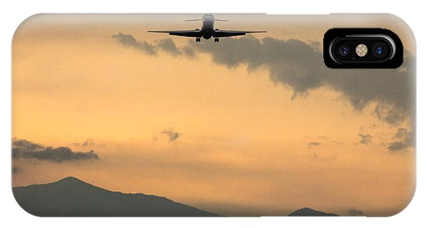 American Airlines Approach IPhone Case