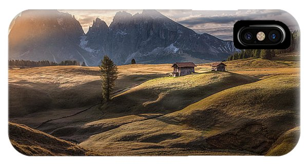 Farm Landscape iPhone Case - As The First Rays Warm Up The Land by Peter Svoboda, Mqep