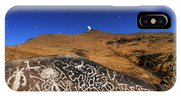 Atacama Rock Art And Astronomical Observatories Phone Case by Babak Tafreshi/science Photo Library