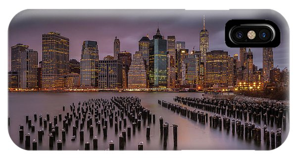 Metropolis iPhone Case - Back Home by Andreas Agazzi