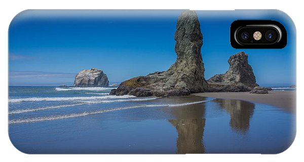 Bandon Oregon Sea Stacks IPhone Case
