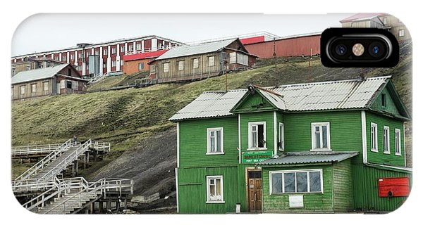 Barentsburg Phone Case by Dr P. Marazzi/science Photo Library