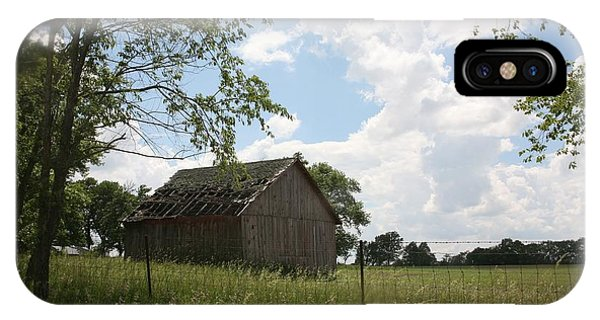 Barn Near Centralia Missouri IPhone Case