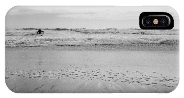 Sherri iPhone Case - Belongil Beach by Sherri Abell