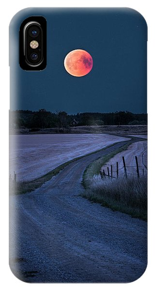 Full Moon iPhone Case - Bloodmoon 2018 by Christian Lindsten