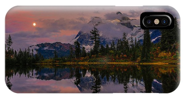 Bloodmoon Rise Over Picture Lake IPhone Case