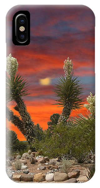 Full Blooming Yucca IPhone Case