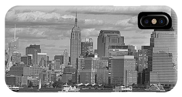Battery D iPhone Case - Boating In New York City Black And White by Dan Sproul