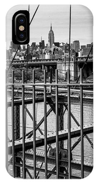 Brooklyn Bridge 2853 Bw Phone Case by Deidre Elzer-Lento