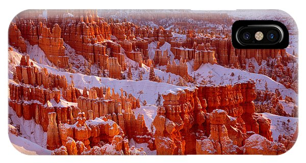 Bryce Canyon - 11 IPhone Case