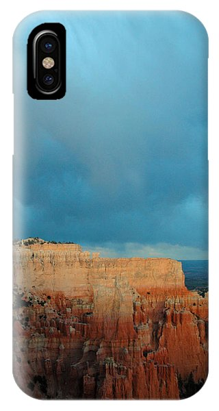 Bryce Canyon And Stormy Sky IPhone Case