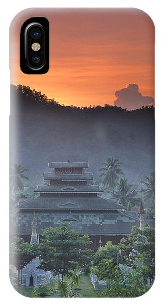 Buddhist Temple At Sunset Phone Case by Richard Berry