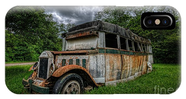 Urban Decay iPhone Case - Bus Decay 16 By 9  by Michael Ver Sprill