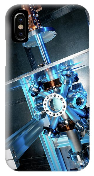 Npl iPhone Case - Caesium Clock by Andrew Brookes, National Physical Laboratory/science Photo Library