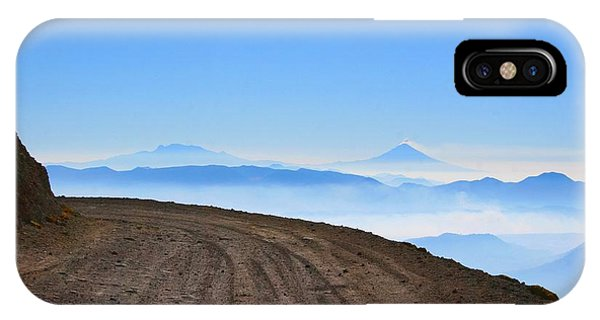 Camino En Volcan Nevado De Toluca IPhone Case