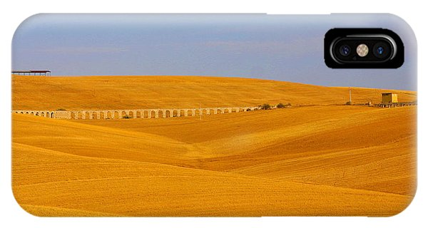 Tarquinia Landscape Campaign With Aqueduct And House IPhone Case