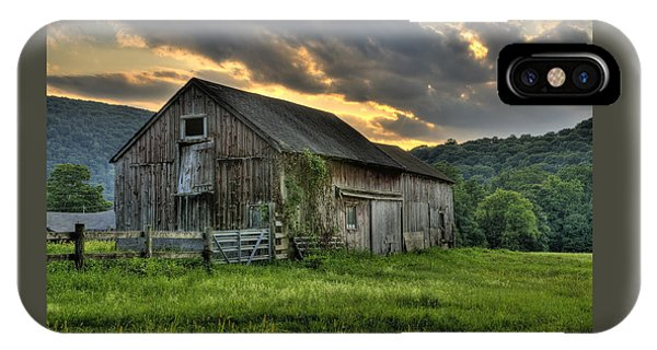 Old Barns iPhone Case - Casey's Barn by Expressive Landscapes Fine Art Photography by Thom