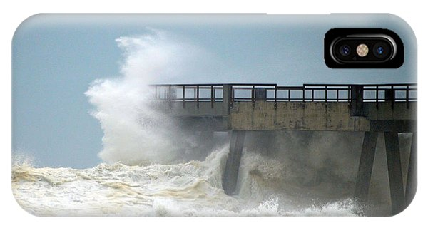 0828 Cat 1 Hurricane Isaac Crashes Into Navarre Beach Pier IPhone Case
