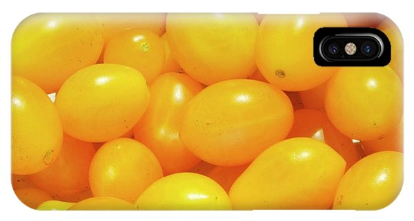 Cultivar iPhone Case - Cherry Tomatoes 'ildi' by Ian Gowland