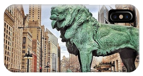 Animal iPhone Case - Chicago Art Institute Lion Statue by Paul Velgos