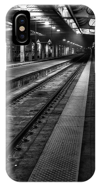 Beams iPhone Case - Chicago Union Station by Scott Norris