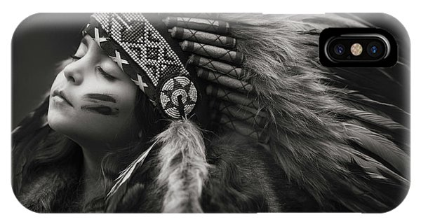 Feathers iPhone Case - Chief Of Her Dreams by Carmit Rozenzvig