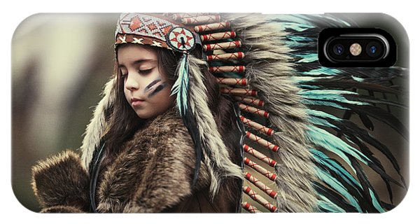 Feathers iPhone Case - Chief Of My Dreams by Carmit Rozenzvig