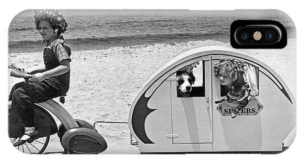 Venice Beach iPhone Case - Children Beach Tour by Underwood Archives