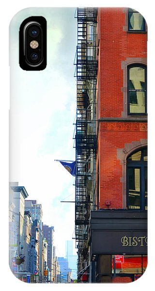 Brownstone iPhone Case - City Bistro by Laura Fasulo