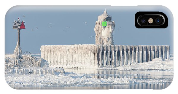 Cleveland Harbor East Pierhead Light IPhone Case