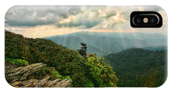 Cliff Tops At Mt. Leconte Gsmnp IPhone Case