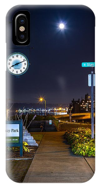 Clock At Gateway Park In Tacoma Wa IPhone Case