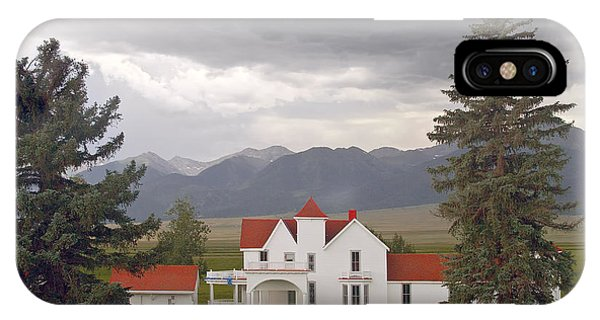 Colorado Farmhouse Photo Phone Case by Peter J Sucy