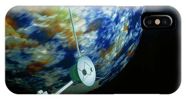 Computer Art Of Voyager Spacecraft Passing Planet Phone Case by Mehau Kulyk/science Photo Library