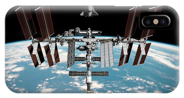 International Space Station iPhone Case - Cruise Shuttle Rendezvous With The Iss by Nasa/walter Myers/science Photo Library