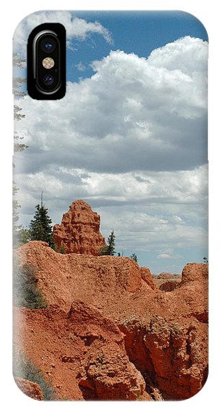 Curvac3ous Tree On The Rim Of Bryce Canyon IPhone Case