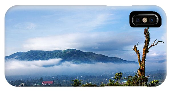 Dai Binh Mountain IPhone Case
