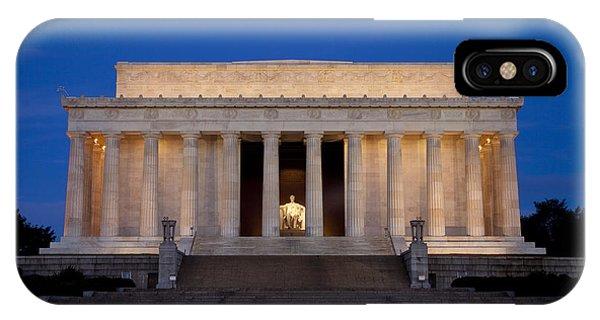 Lincoln Memorial iPhone Case - Dawn At Lincoln Memorial by Brian Jannsen