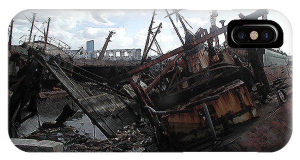 Dead Ship 4 Phone Case by Gustavo Mazzoni