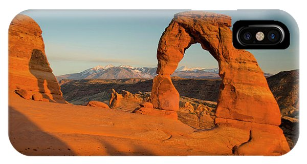 Delicate Arch, Arches National Park Phone Case by Roddy Scheer