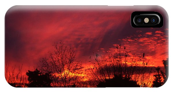 IPhone Case featuring the photograph Dundee Sunset by Jeremy Hayden
