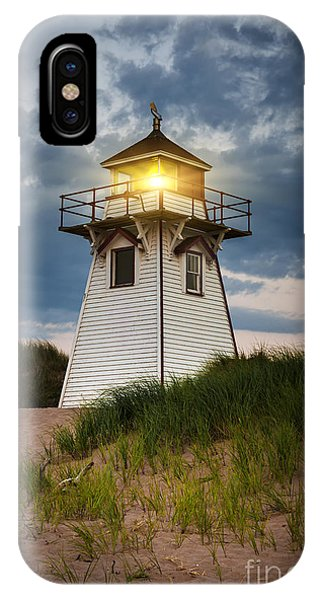 Lighthouse iPhone Case - Dusk At Covehead Harbour Lighthouse by Elena Elisseeva