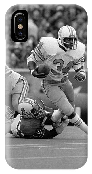 Running Back iPhone Case - Earl Campbell by Gianfranco Weiss
