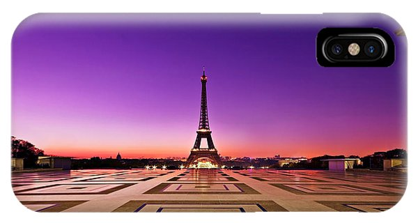 IPhone Case featuring the photograph Eiffel Tower At Dawn / Paris by Barry O Carroll