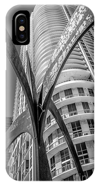 Element Of Duenos Do Los Estrellas Statue With Miami Downtown In Background - Black And White Phone Case by Ian Monk